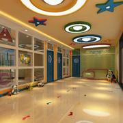 幼儿园走廊彩色装扮