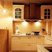 暖色调家居厨房
