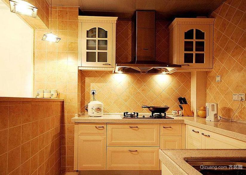 2015靓丽整洁的大户型欧式厨房装修效果图