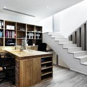 书房白色小楼梯