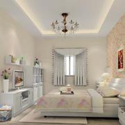 温暖黄色的卧室