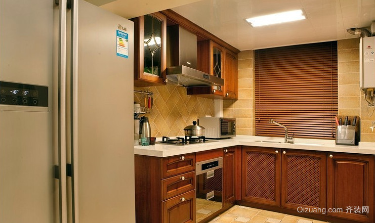 法式精致厨房装修效果图