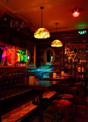 古典优雅的酒吧