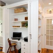 白色简洁书房