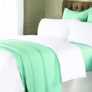 清新时尚的小卧室床