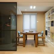 餐厅玻璃隔断设计