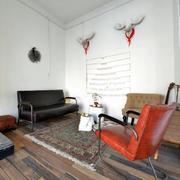 简洁的复古客厅