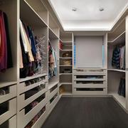 现代简洁的衣柜