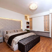 卧室自然木地板