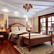 精巧温馨的卧室床