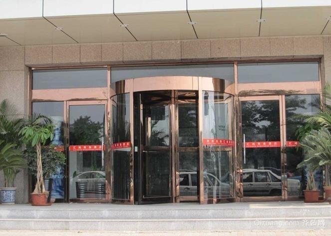 办公大厦大厅自动两翼旋转门装修效果图