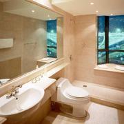 暖色调小浴室