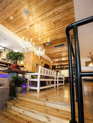 咖啡厅实木吊顶