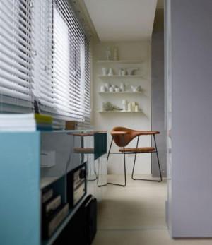 三室一厅客厅唯美百叶窗帘装修效果图
