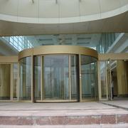 精致的大厅旋转门图片