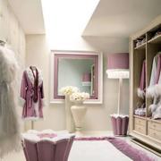 紫色浪漫的衣帽间