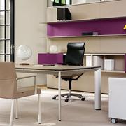 大气优雅的办公桌