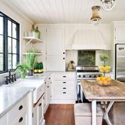 厨房凸显高贵的吧台