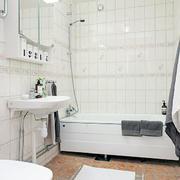 白色干净浴室