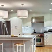 厨房白色实用吧台