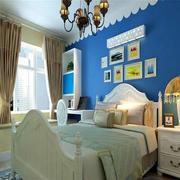 卧室床头照片墙