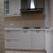 现代厨房白色橱柜