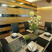 餐厅餐桌花束装扮
