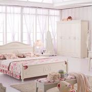 温馨卧室窗帘