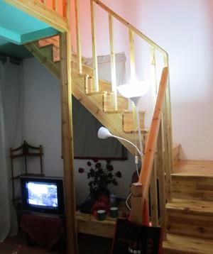 现代家居实木阁楼楼梯