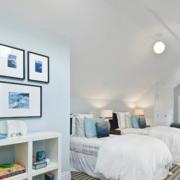 阁楼卧室照片墙