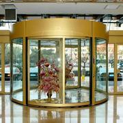 酒店旋转门装饰