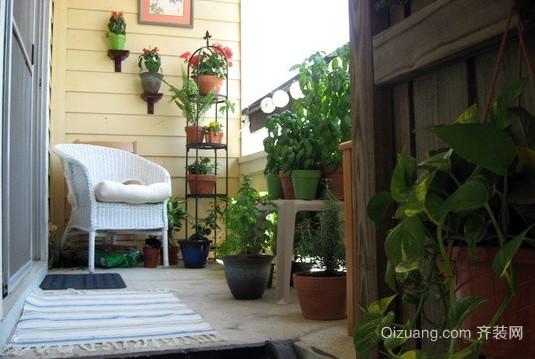 一片绿色的露台花园装修效果图