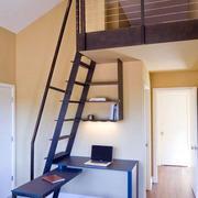 黑色铁艺楼梯