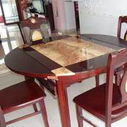 红木色家居餐桌