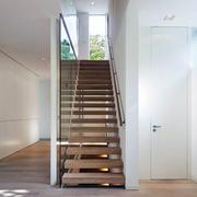 简洁安全楼梯