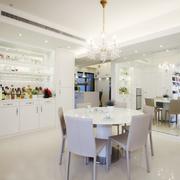 白色餐厅简约装潢