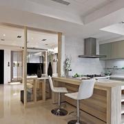 和谐温馨的厨房吧台