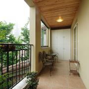 阳台原木色吊顶
