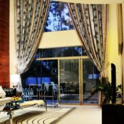 富豪别墅客厅窗帘