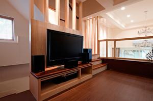 客厅实木背景墙