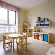 儿童房墙上置物架