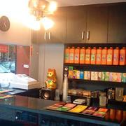 路边小型奶茶店