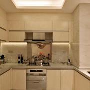 温暖的家居厨房