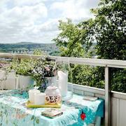 阳台清新小餐桌