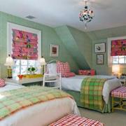 清新绿色的儿童房