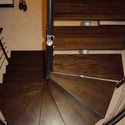 家居旋转实木楼梯