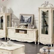 米白色优雅的酒柜