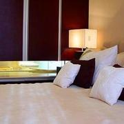 卧室舒适温馨装饰