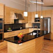 原木色厨房橱柜