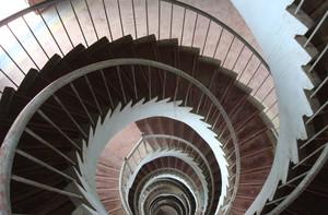 旋转的优美楼梯